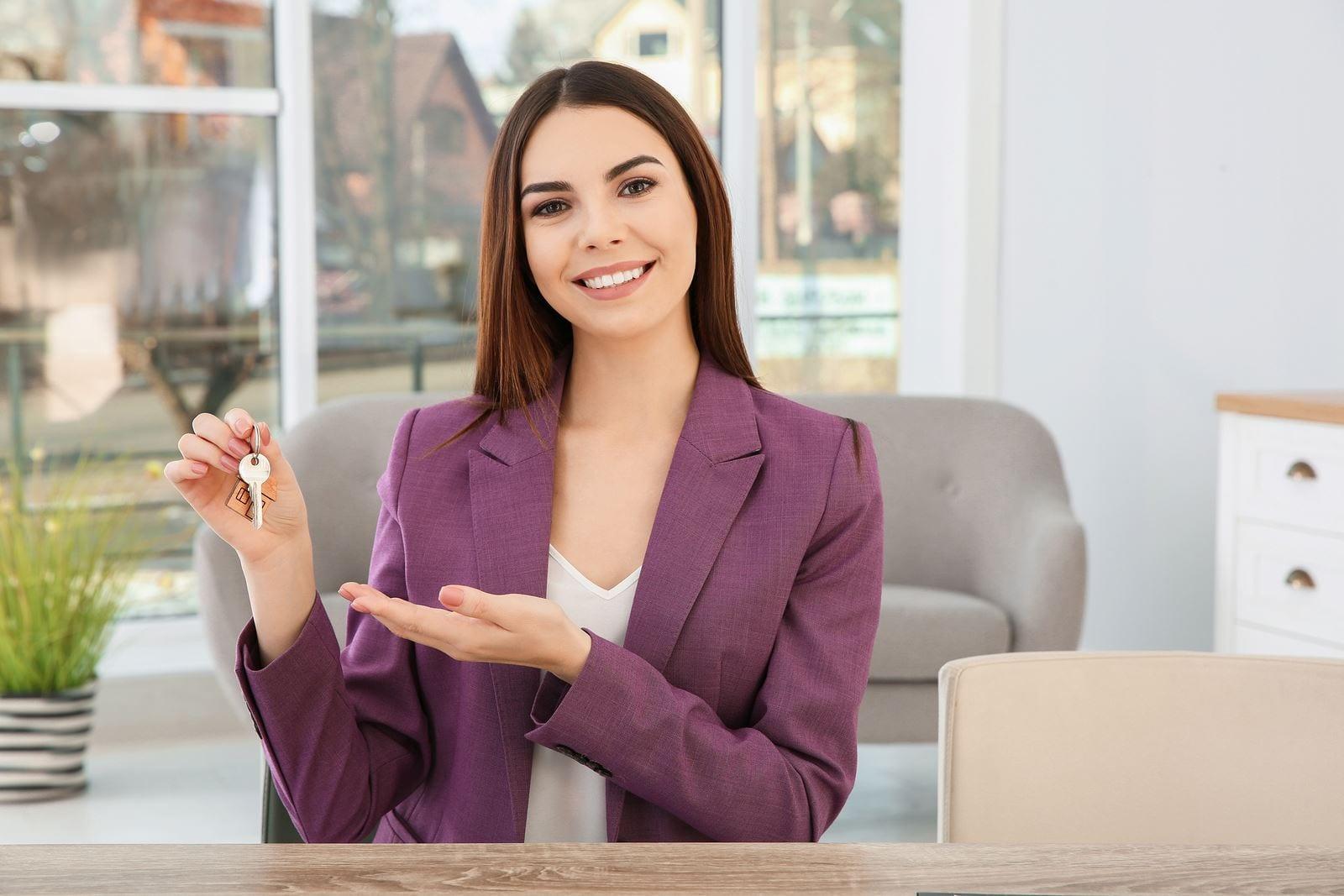 Pse gjithnjë të duhet një agjent profesional për të realizuar me sukses transaksionin e pronës?